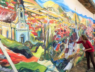 mural tri krsta