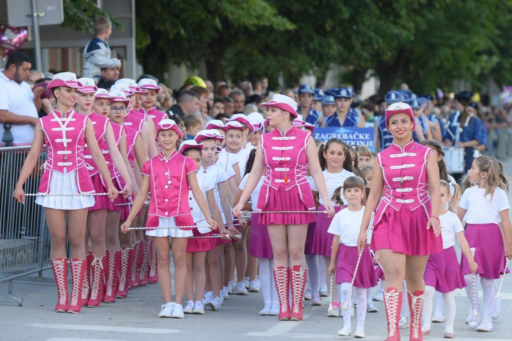Belocrkvanske mazoretkinej Karneval
